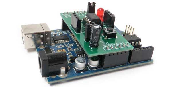 Arduino Shield Makes 8-Pin Chip Programming a Snap