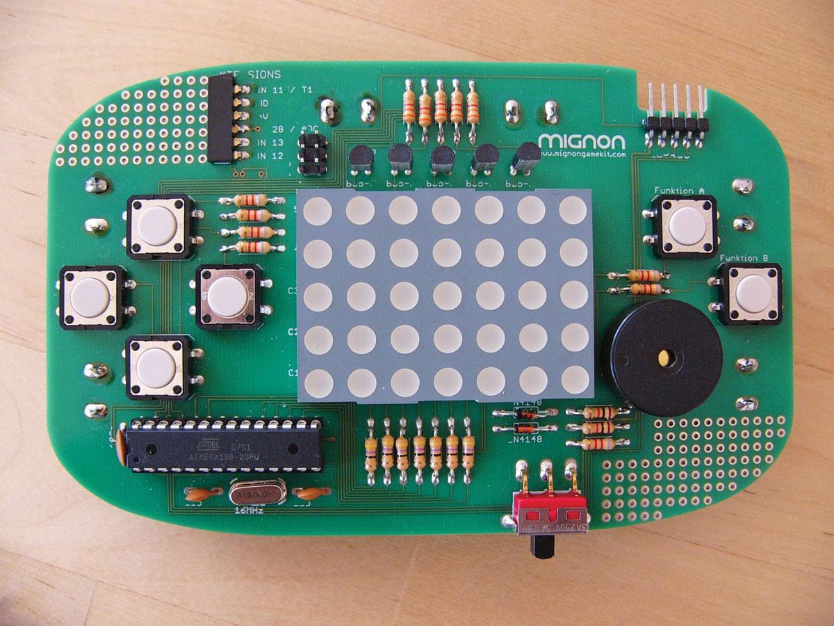 Mignon Game Console