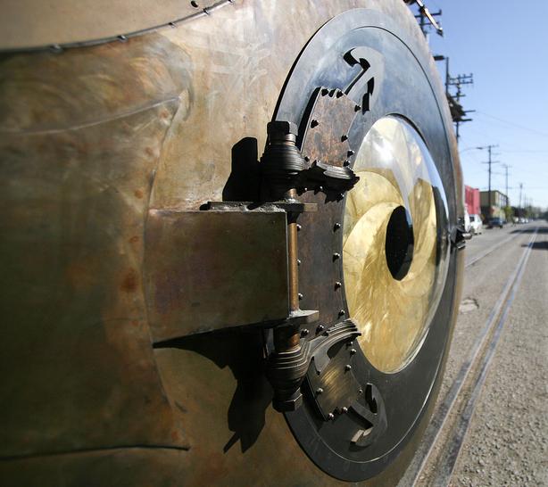 """""""Nautilus"""" Art Car Pressure Door with Huge Mechanical Iris"""