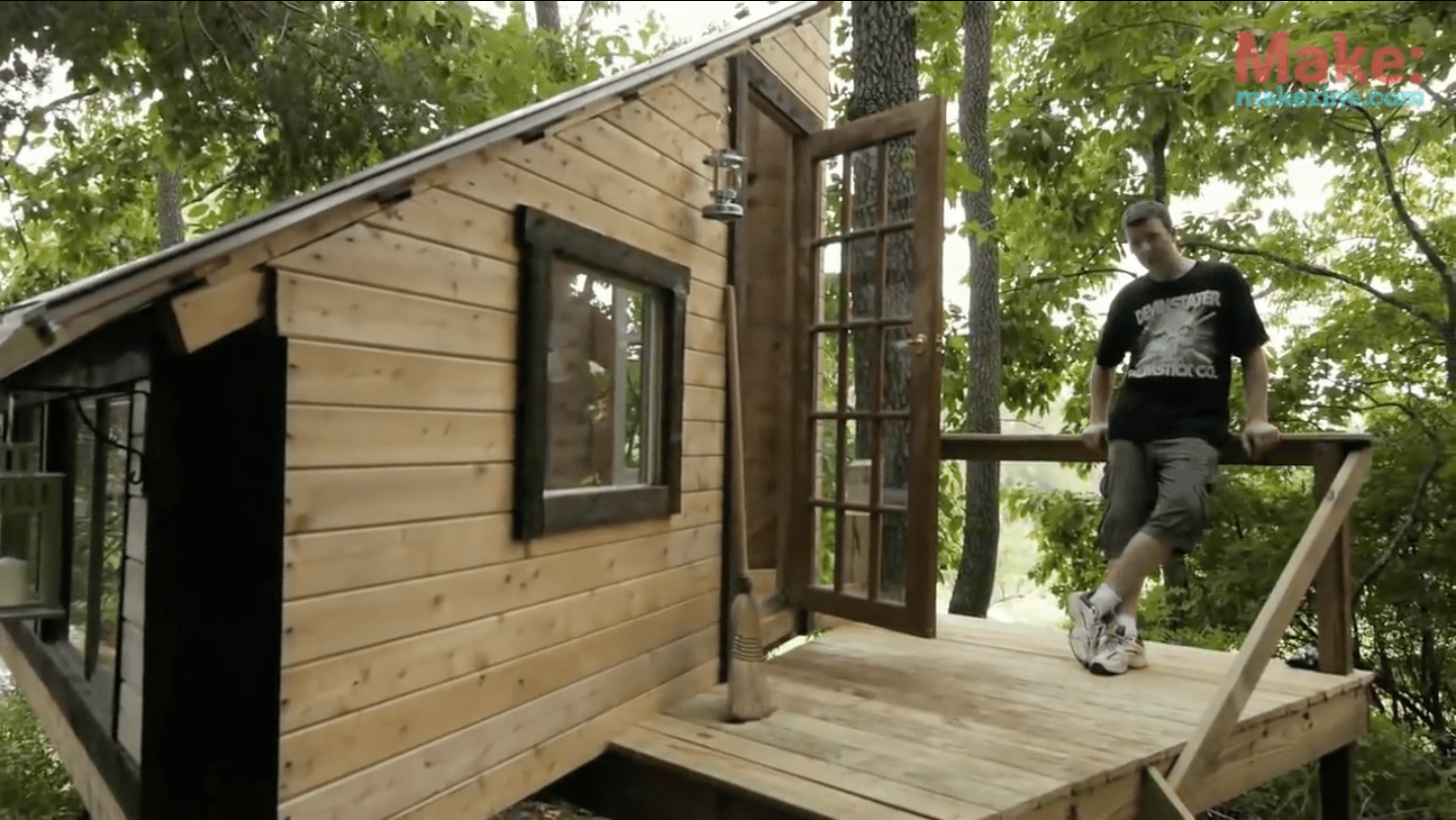 """""""The Wolfe's Den"""" Treehouse – Tiny Yellow House"""