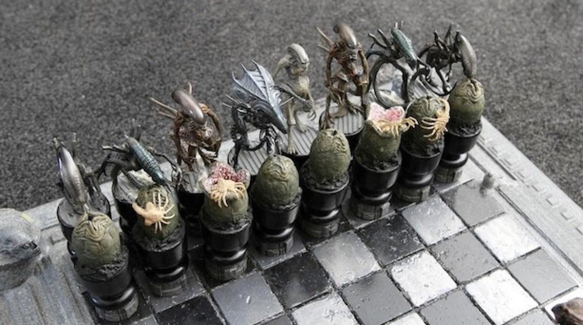 Alien Vs Predator Chess Set Make