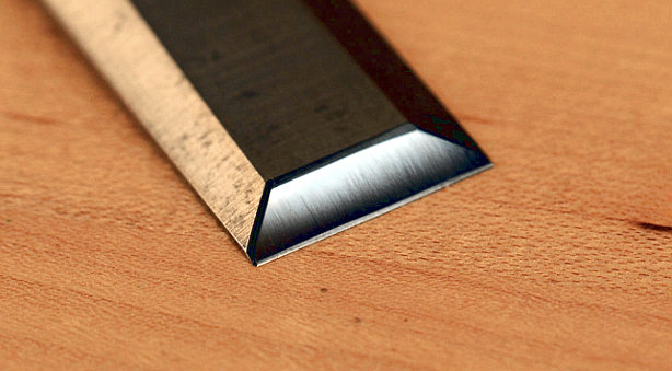 How-To:  Sharpen a Chisel (When You're Serious About It)