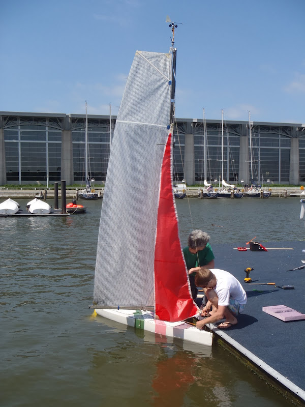 Drone Sailboat Built by College Students