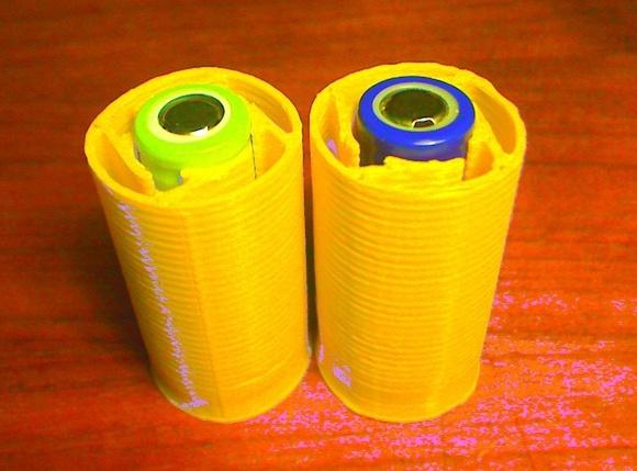 Printable Stub Case Adapts AA Cells to C