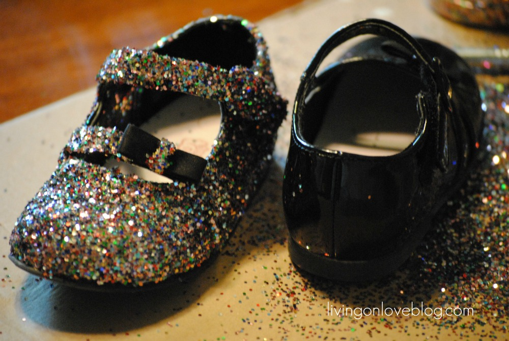 How-To: Kid Glitter Shoes