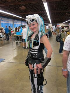 Cool Clothes and Styles of Maker Faire Attendees (Part 2)