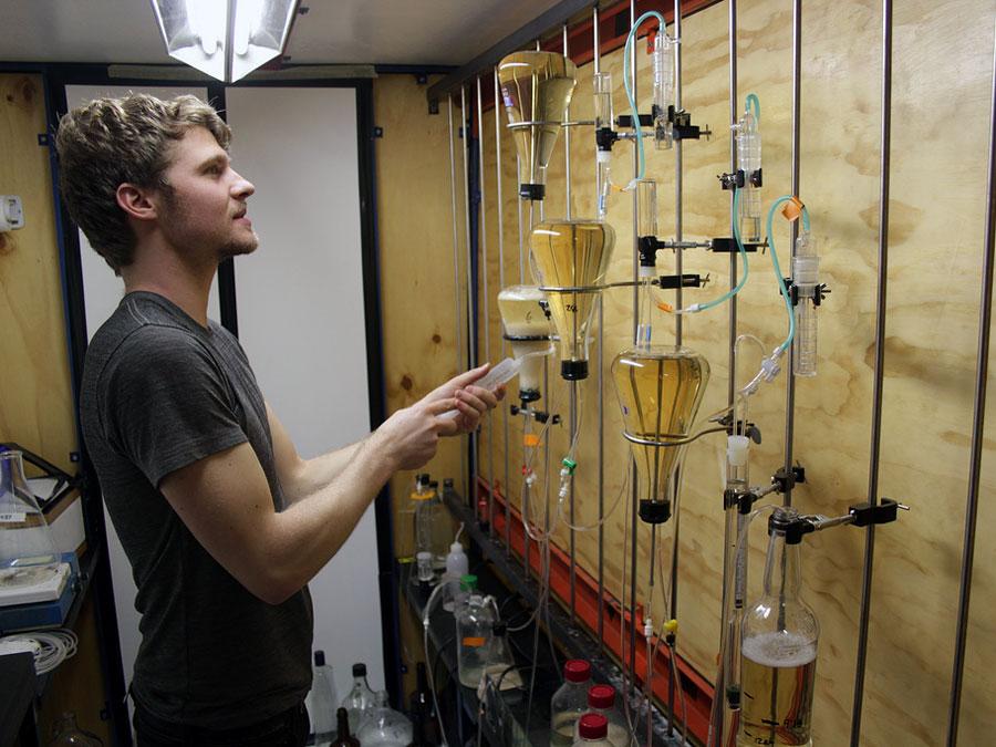 Brooklyn Distillery Packs DIY Distillation Equipment