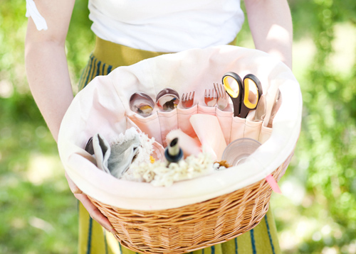 How-To: Bicycle Basket Picnic Liner