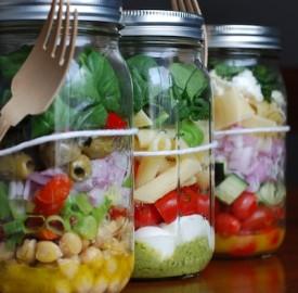 Mason Jar Salad Lunches