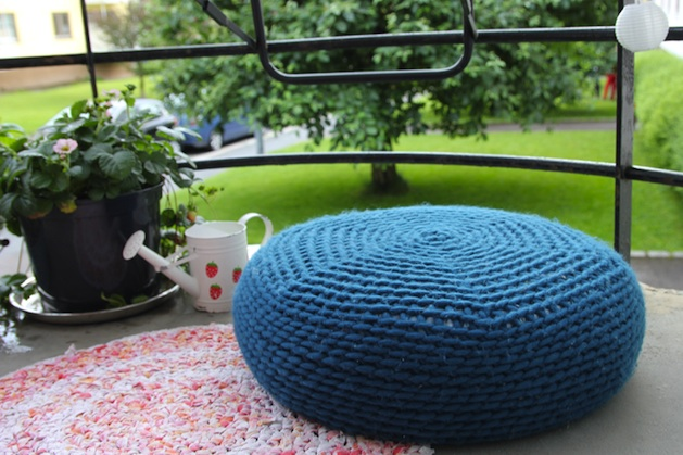 How-To: Crocheted Porch Pouf