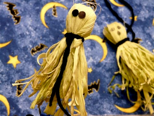How-To: Corn Husk Ghosts