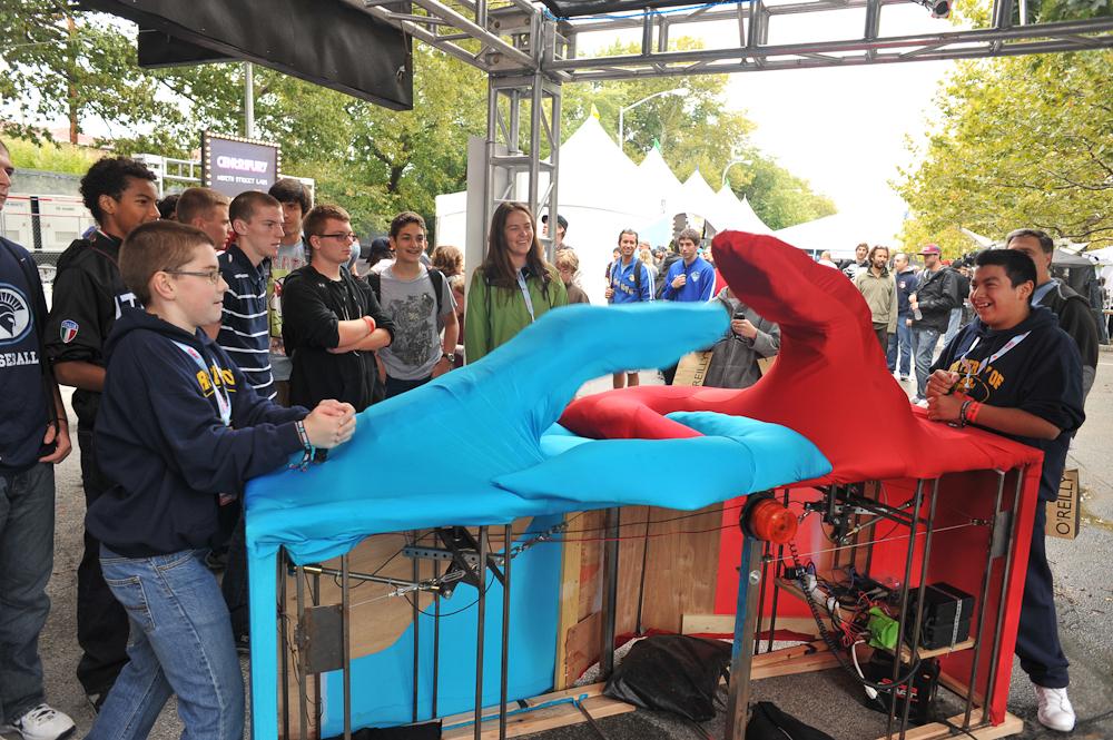 Maker Faire New York: Giant Mechanical Thumb Wars