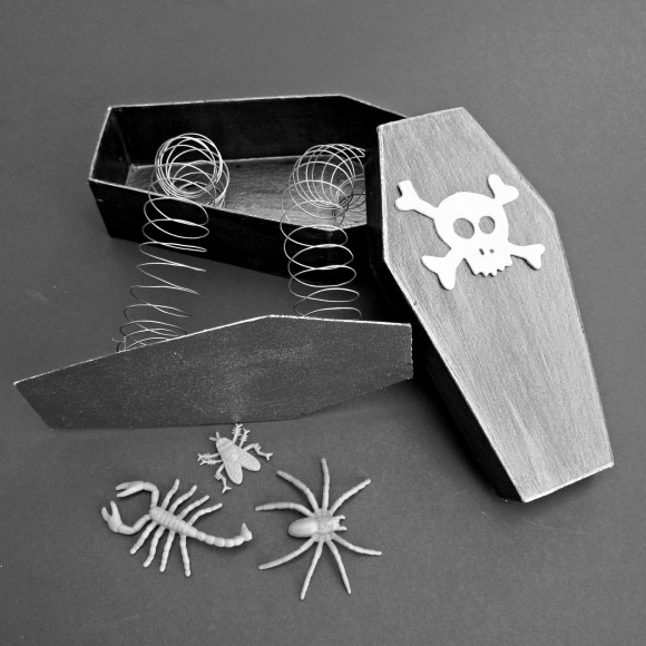 How-To: Trick Coffin Box