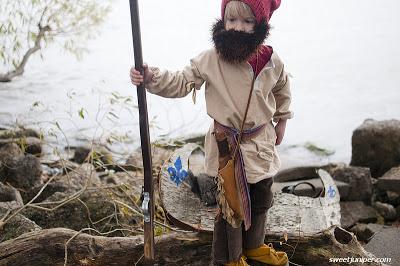 Voyageur Costume