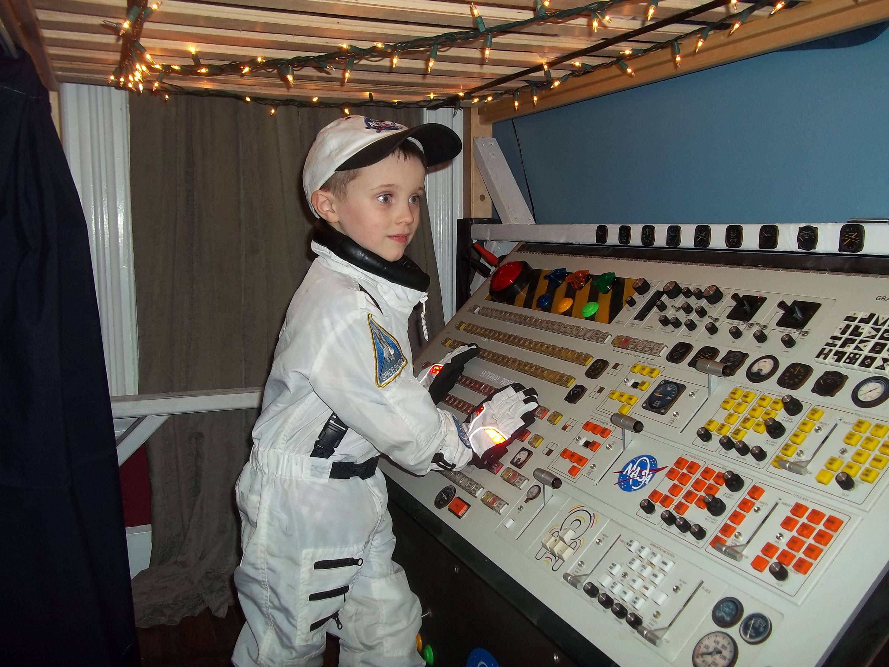 Redditor Builds Spaceship for Son from Scrap Broadcast Equipment