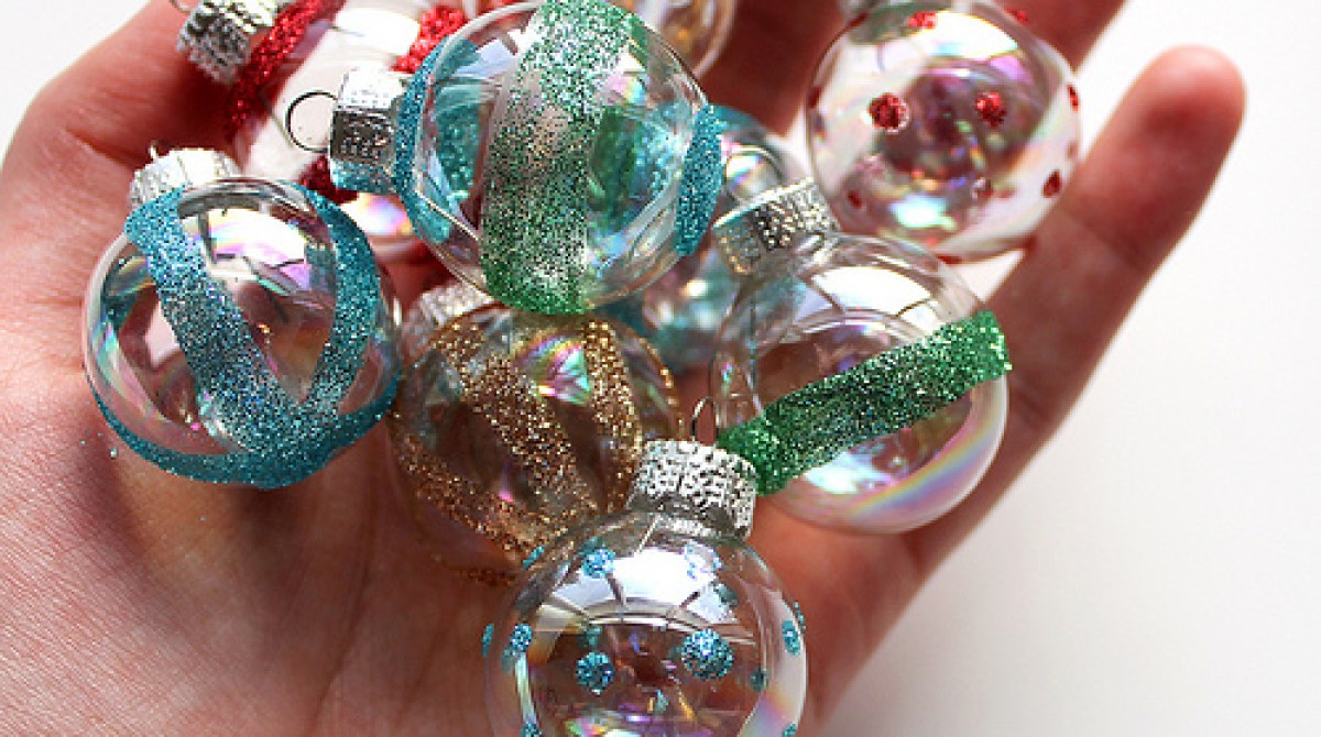 How-To: Vintage-Inspired Mini Glittered Ornaments