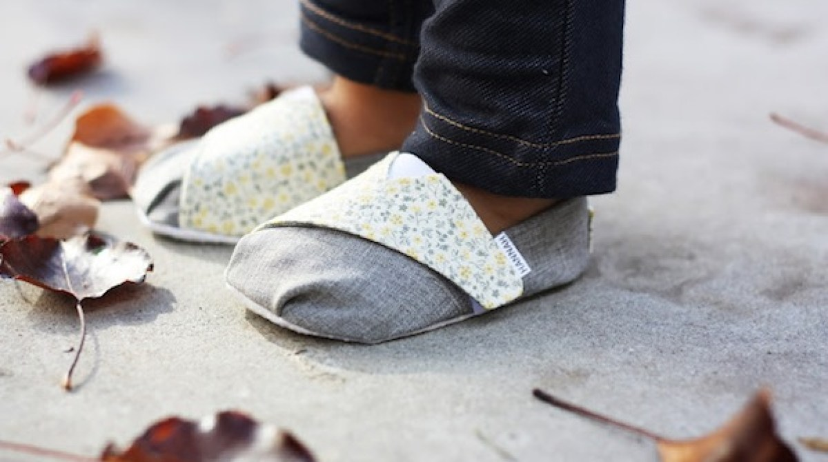 How-To: TOMS-Inspired Baby and Toddler Shoes