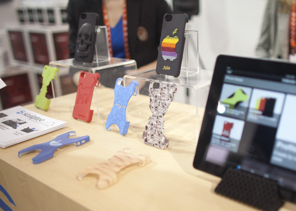 MAKE at CES 2013: Design Your Own 3D Printed iPhone Case