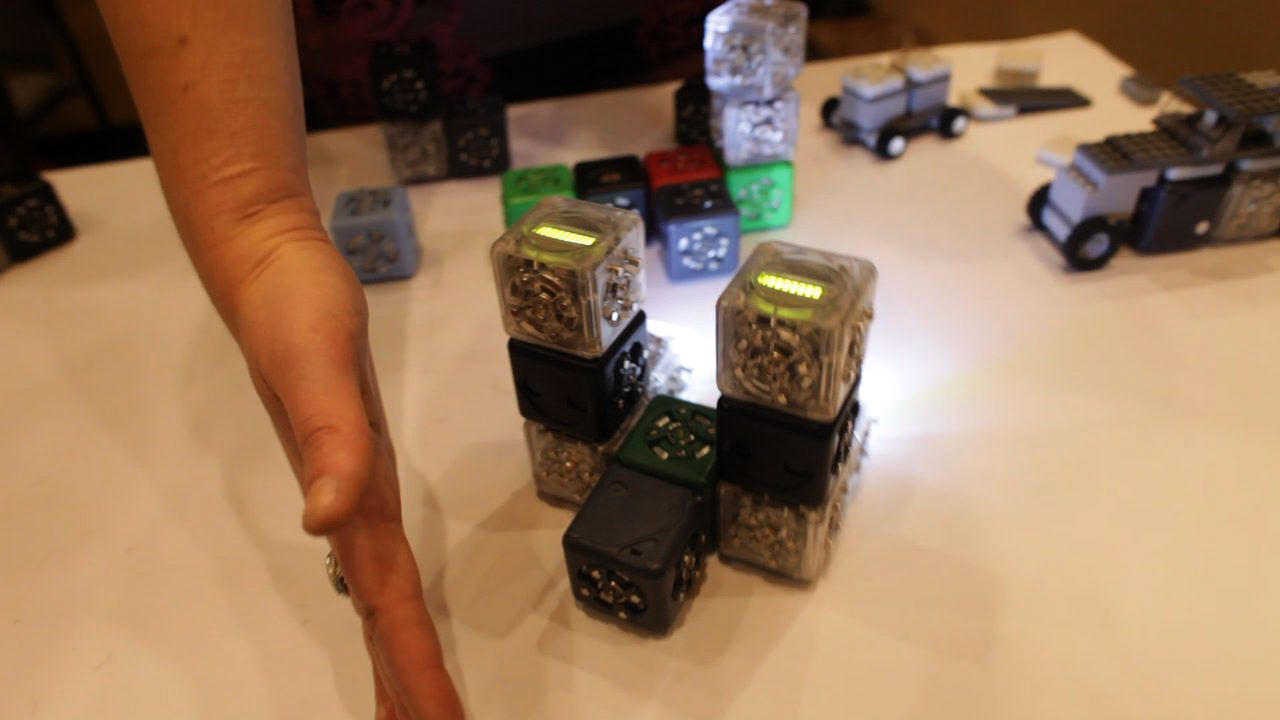 MAKE at CES 2013: Hands on with Cubelets