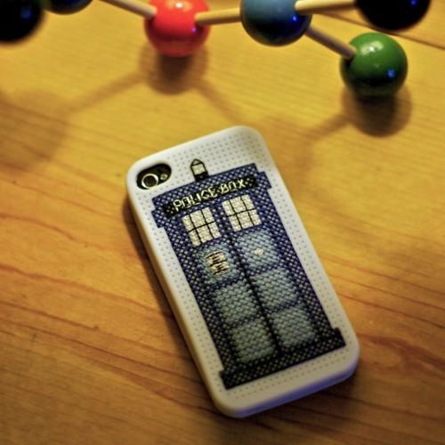 TARDIS iPhone Case Cross-Stitch Pattern