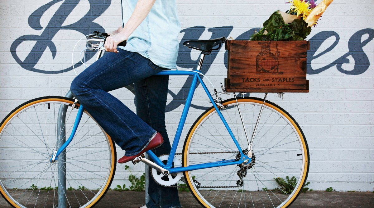 Cyclist Chic: Turn a Wooden Crate into a Cool Cargo Box