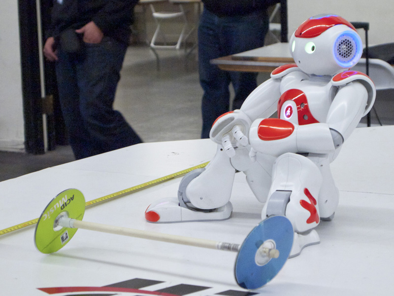 MAKE at RoboGames: A Discussion with Lem Fugitt about Humanoids