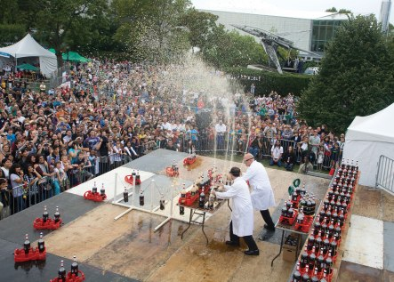 Diet Coke and Mentos show at Maker Faire.