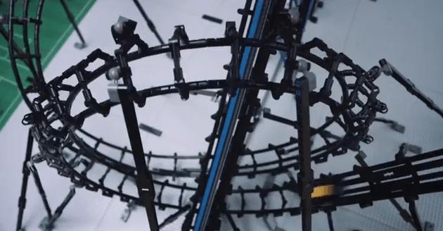 Roller Coaster Flexes the Technic Bricks