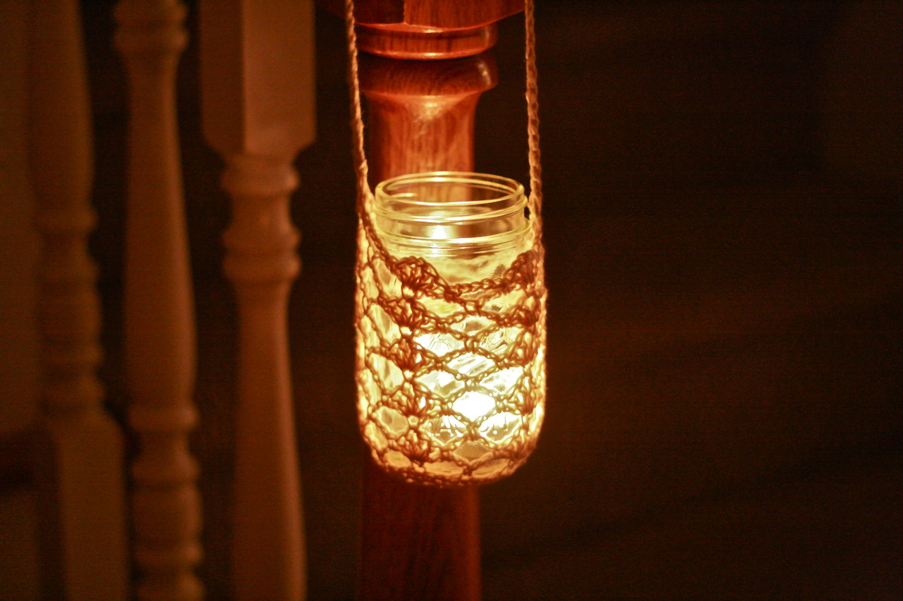 How-To: Crocheted Hanging Mason Jar Cozy