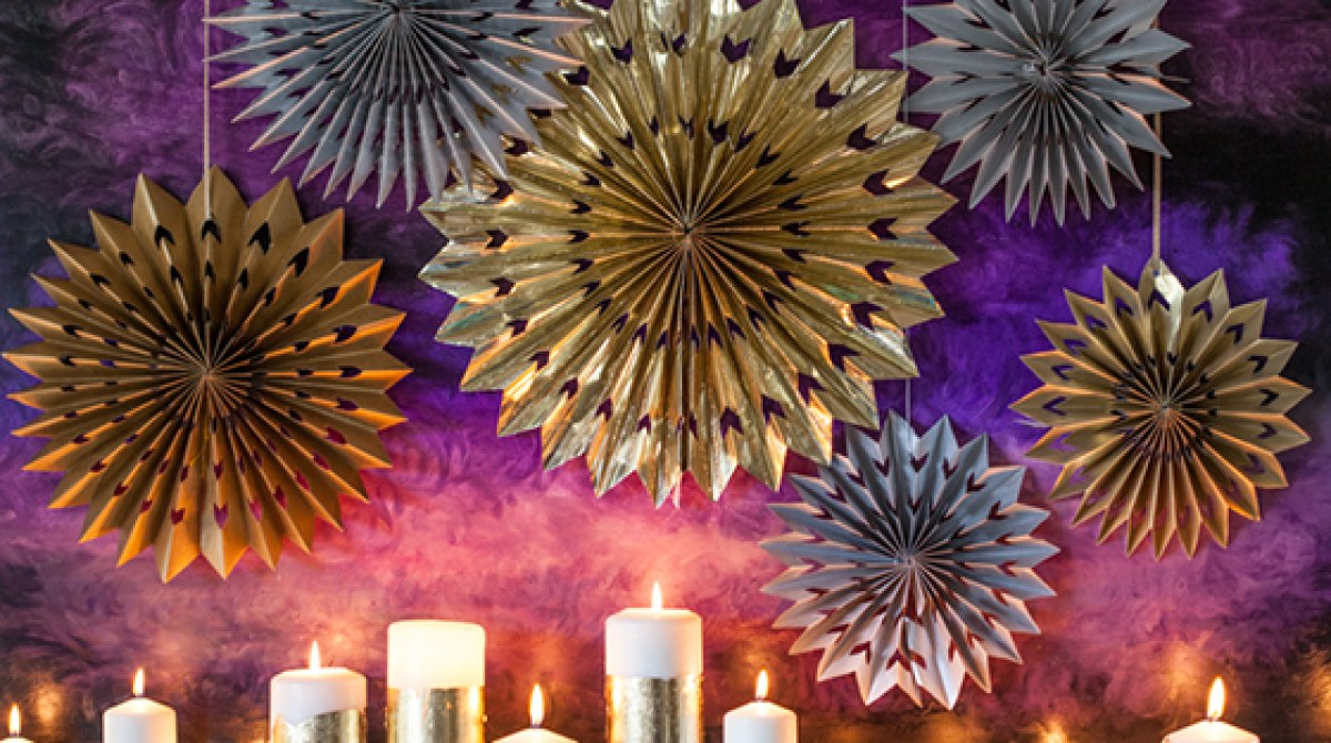 New Year's Decor: DIY Paper Foil Stars