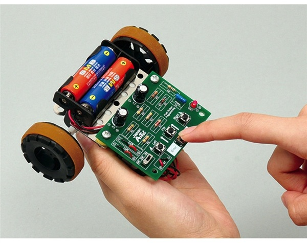 Check out the Maker Shed's Arduino & Robots Gift Guide!