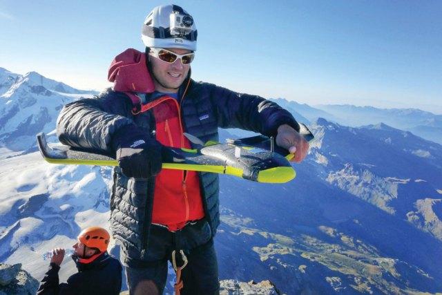 Team1-On-top-of-the-Matterhorn2