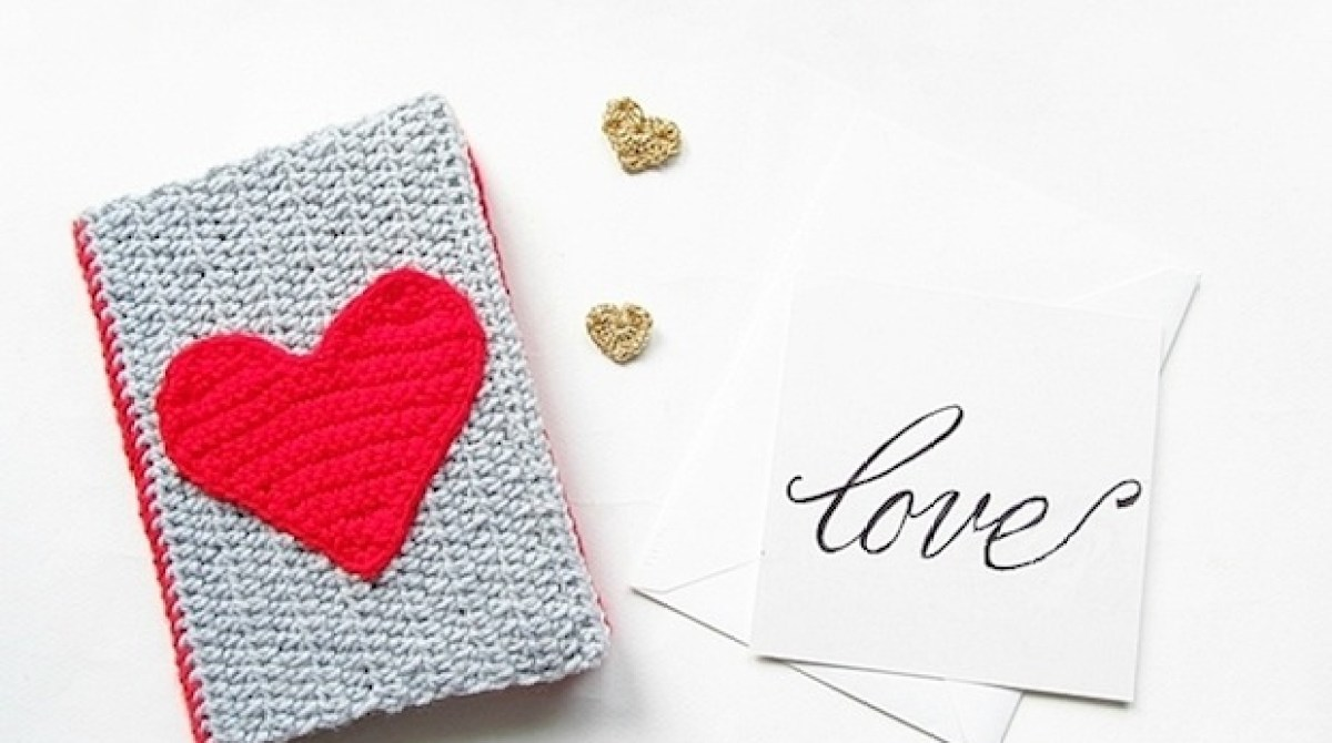 How-To: Crocheted Notebook Cozy