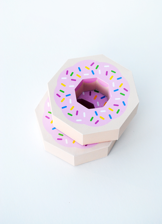 Printable: Paper Donut Gift Wrap