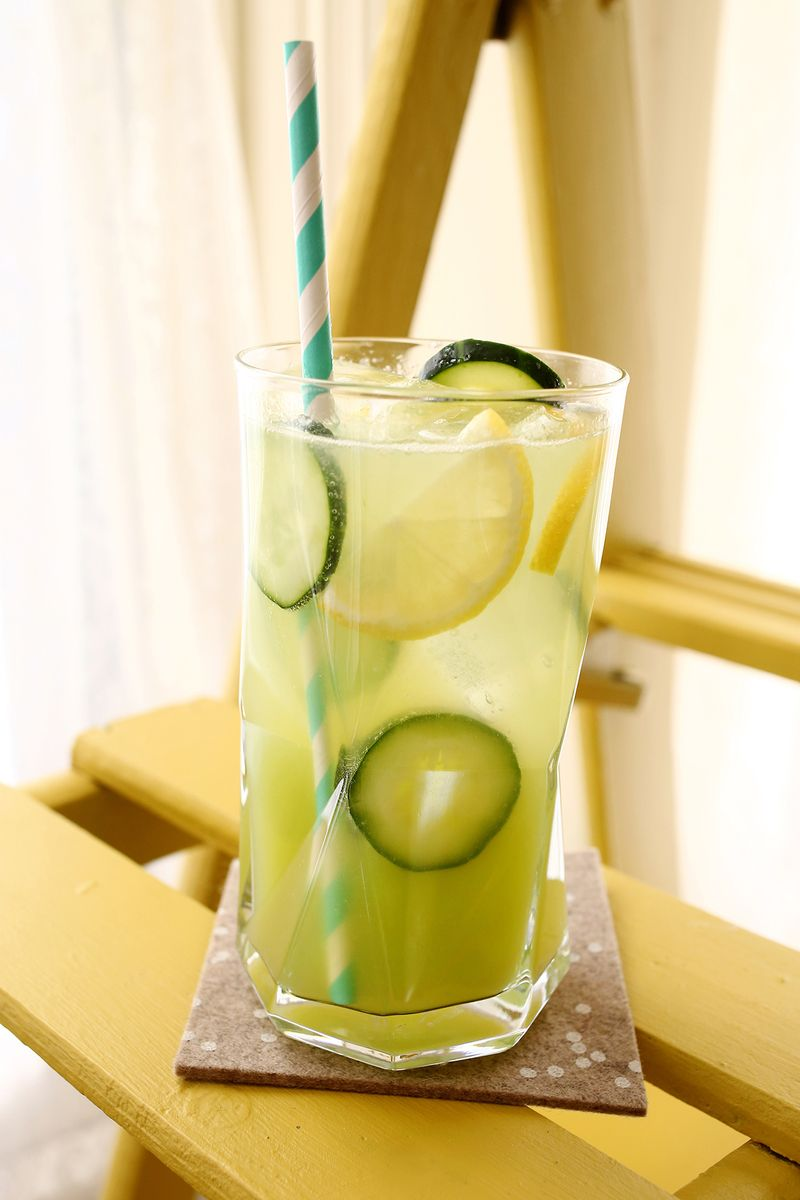 How-To: Cucumber Lemonade With Gin