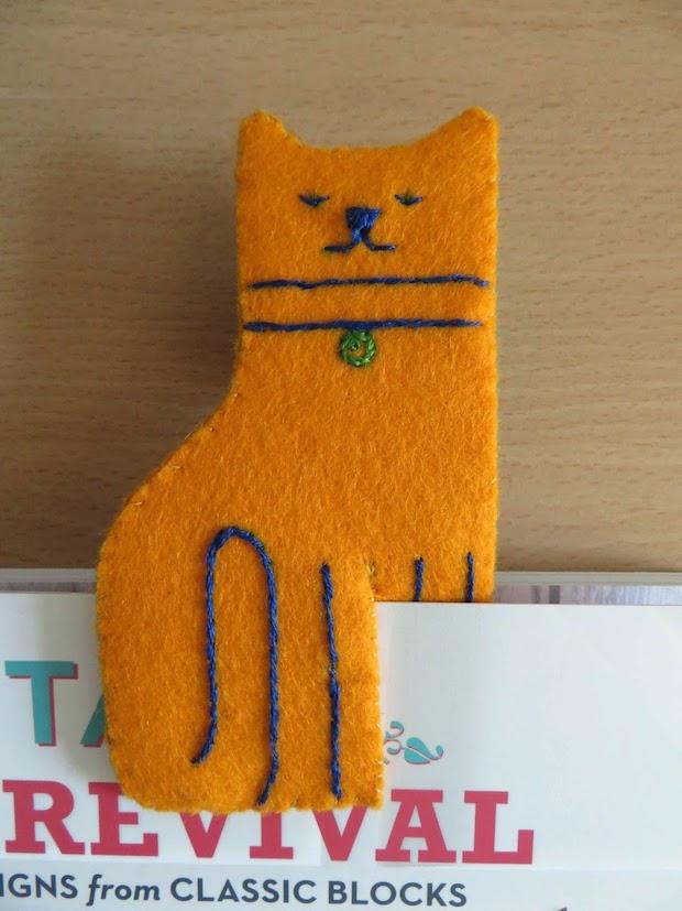 How-To: Felt Kitty Cat Bookmark