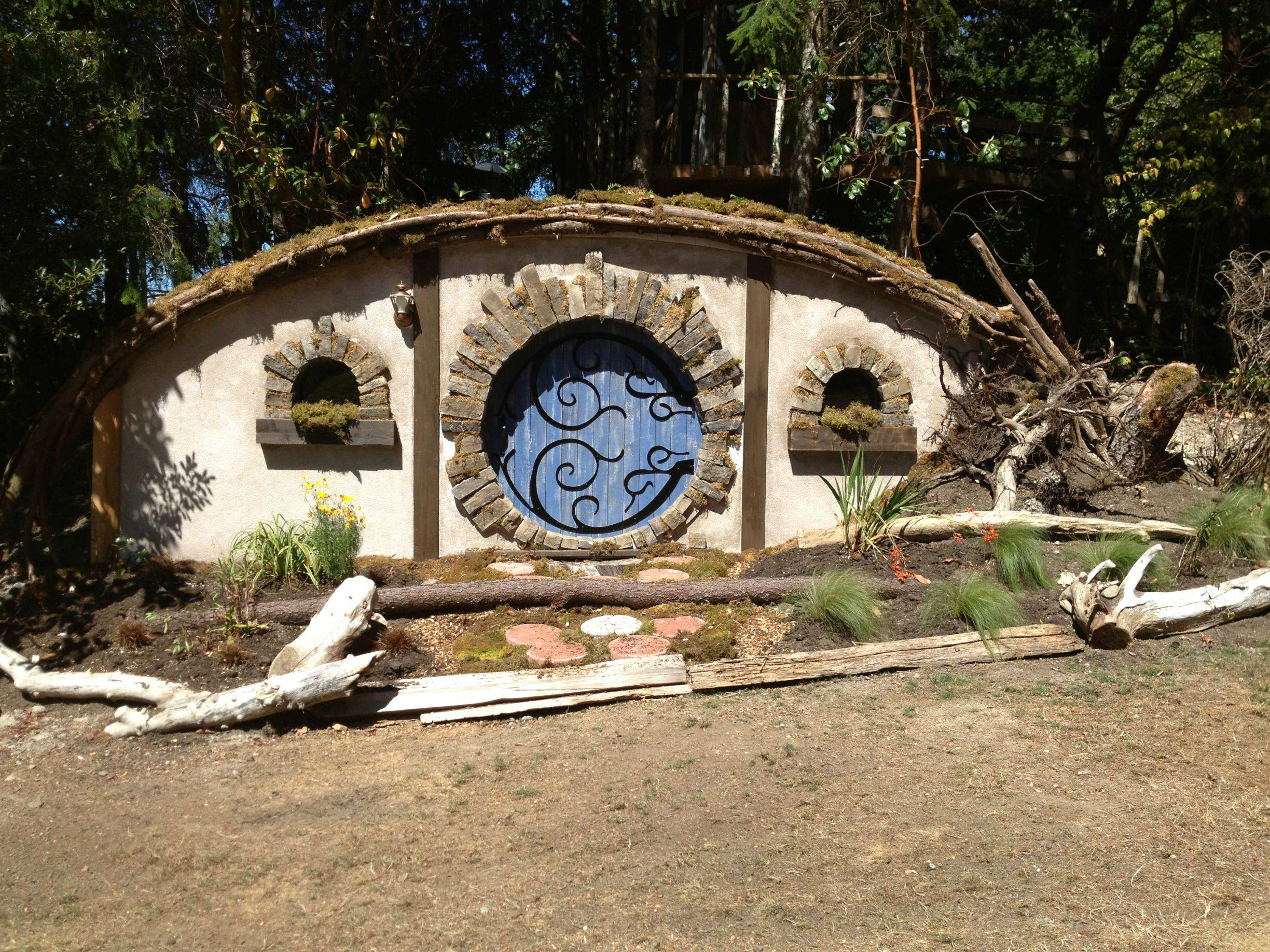 The Construction Of A Hobbit Hole