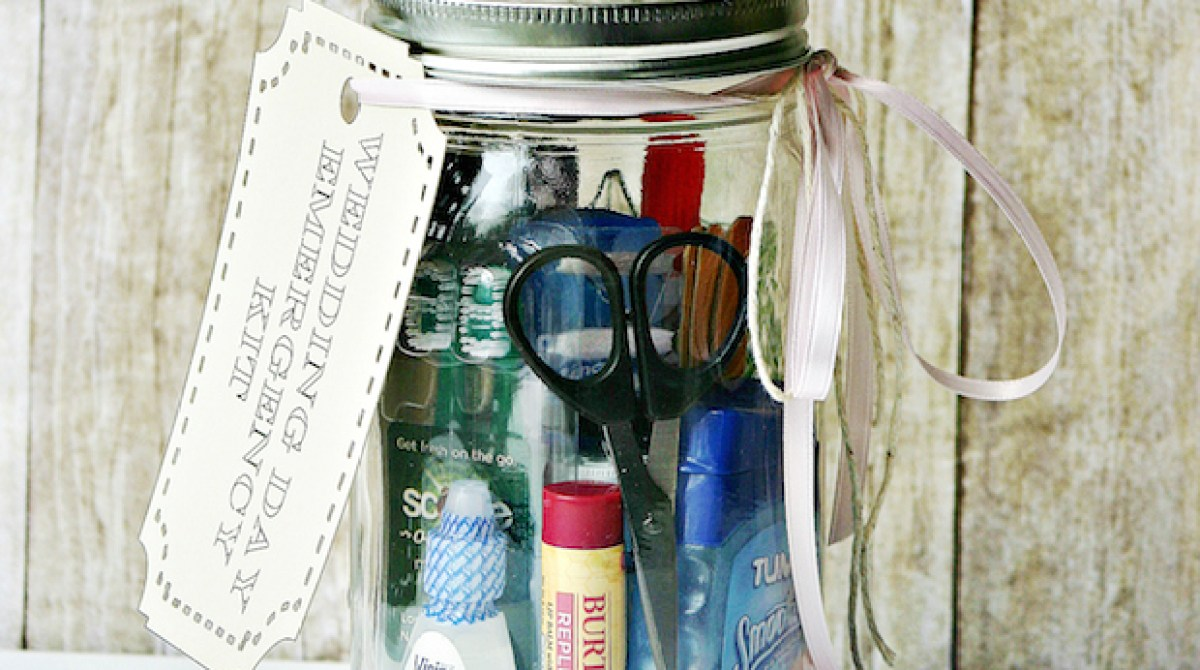 How-To: Mason Jar Wedding Day Emergency Kit