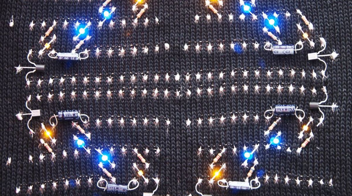 How To Knit A Working Circuit Make Completecircuit1jpg Article Featured Image Total 0