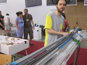 Gerard Rubio's OpenKnit.org knitting machine