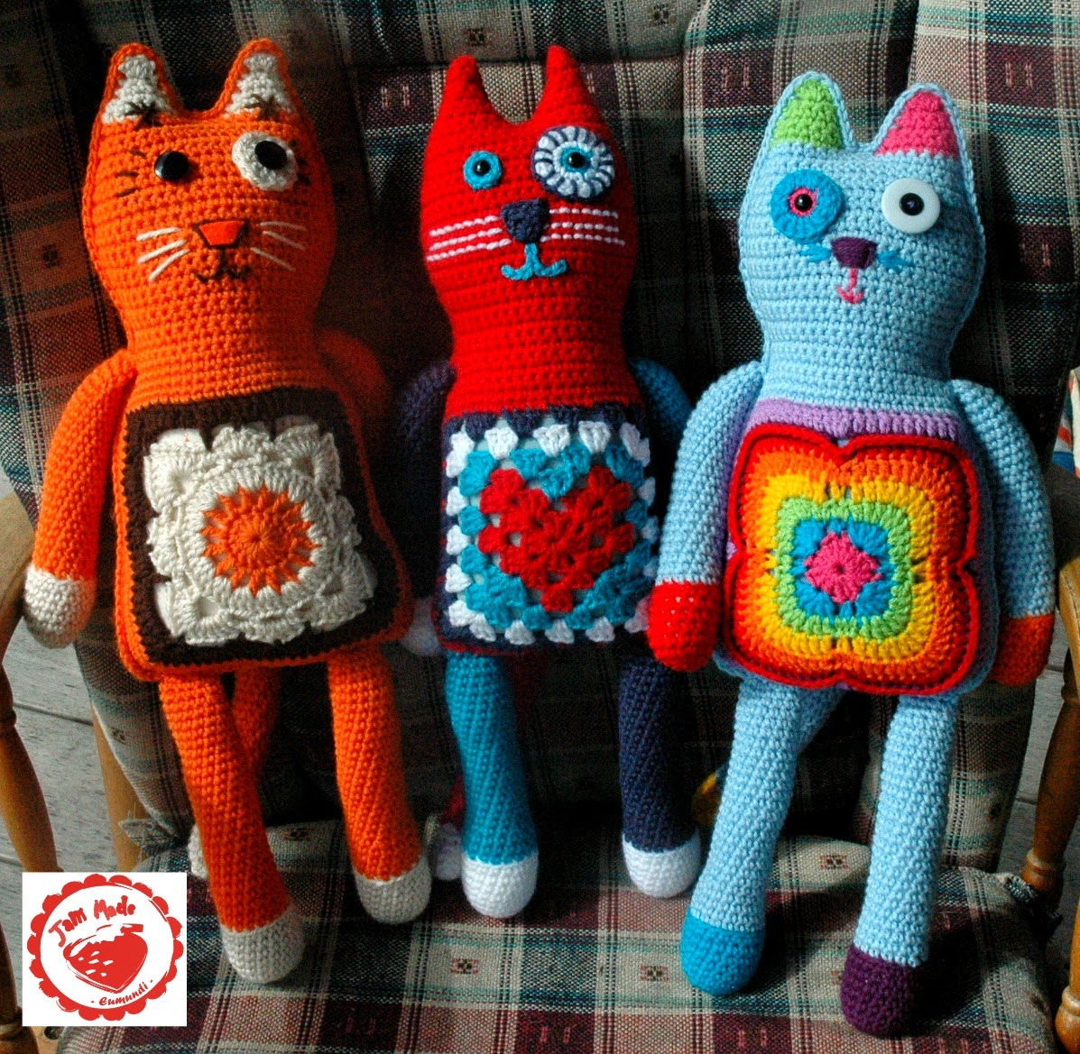 Crochet a Kitty-Cat Granny Square Pillow … So Many Cats … All The ... | 1169x1197
