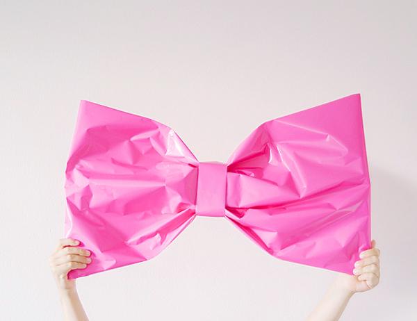DIY Giant Gift Bow Wrap
