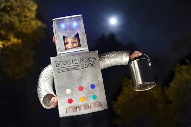 Flashback: Make a Robot Halloween Costume