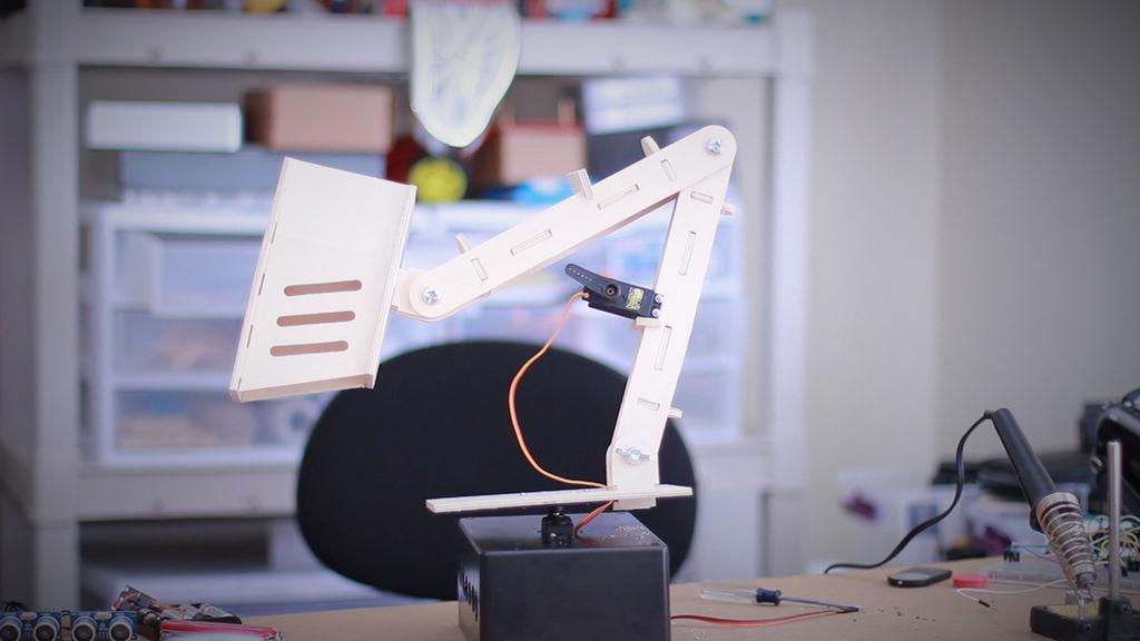 Tinkernut's Lamp Comes To Life Using Ultrasonic Waves