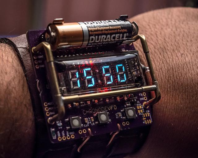 Engineer designs a cyberpunk themed VFD wristwatch