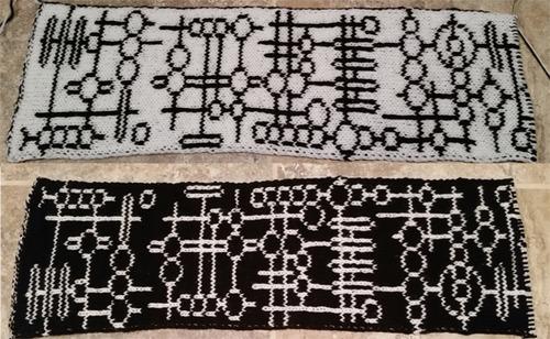Alien Glyph Double Knit Scarf Pattern
