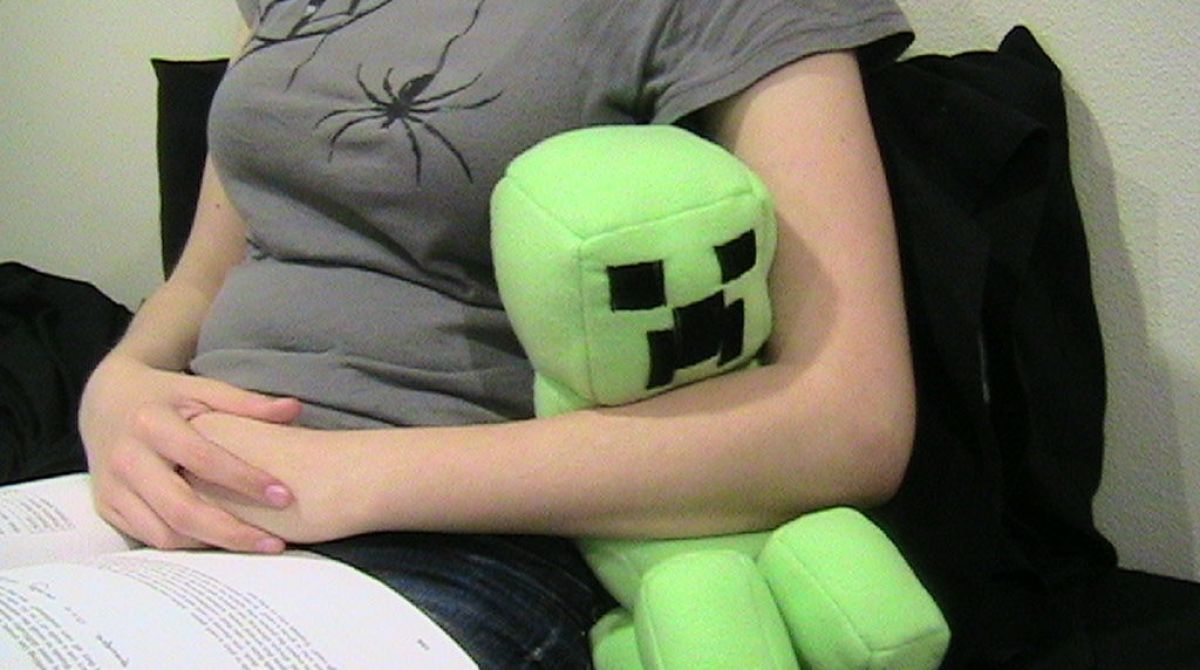 How-To: Cuddly Minecraft Creeper Doll