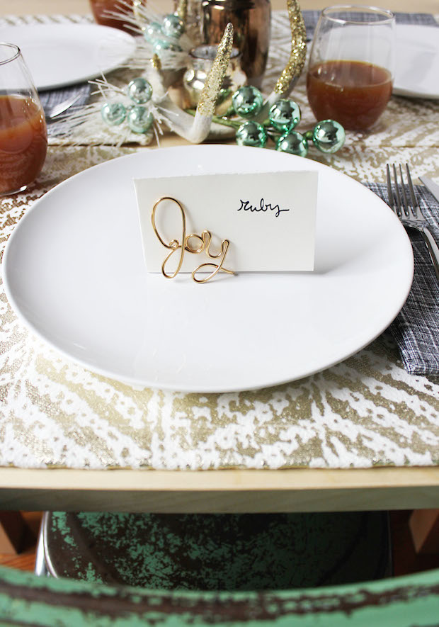 How-To: Easy Wire Place Card Holders