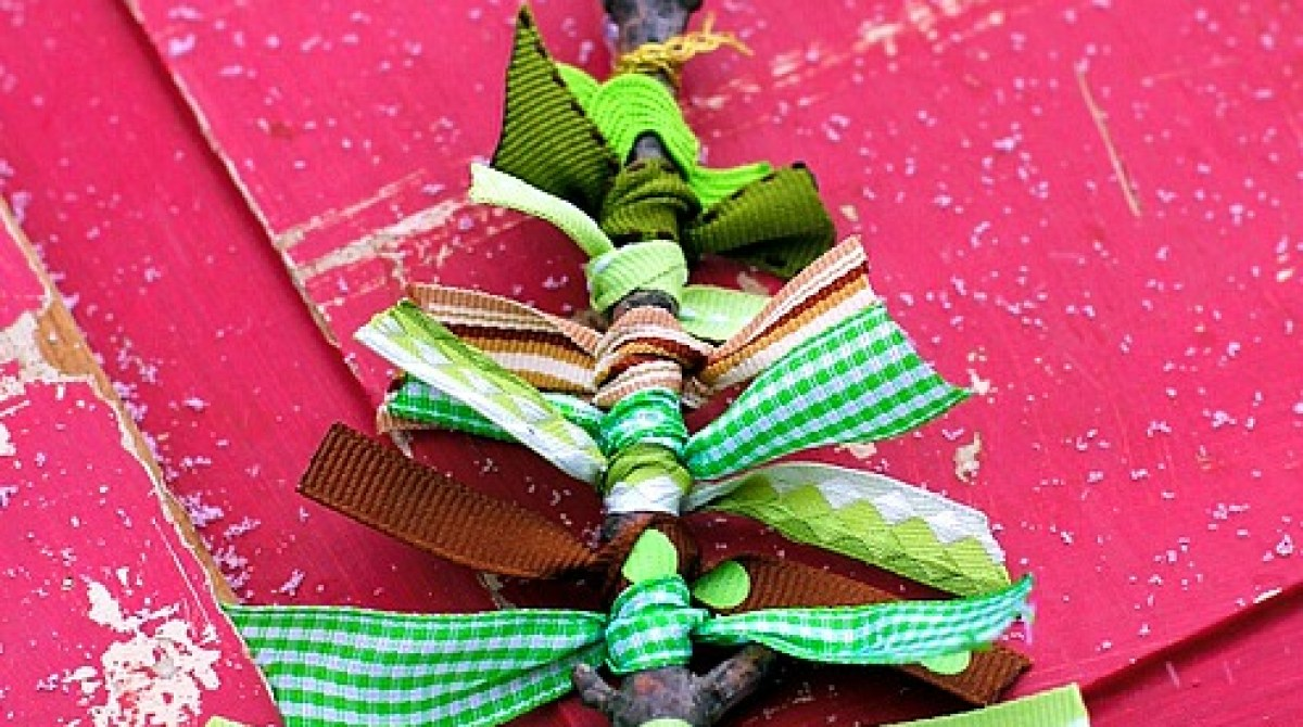 How-To: Twig and Ribbon Tree Ornament