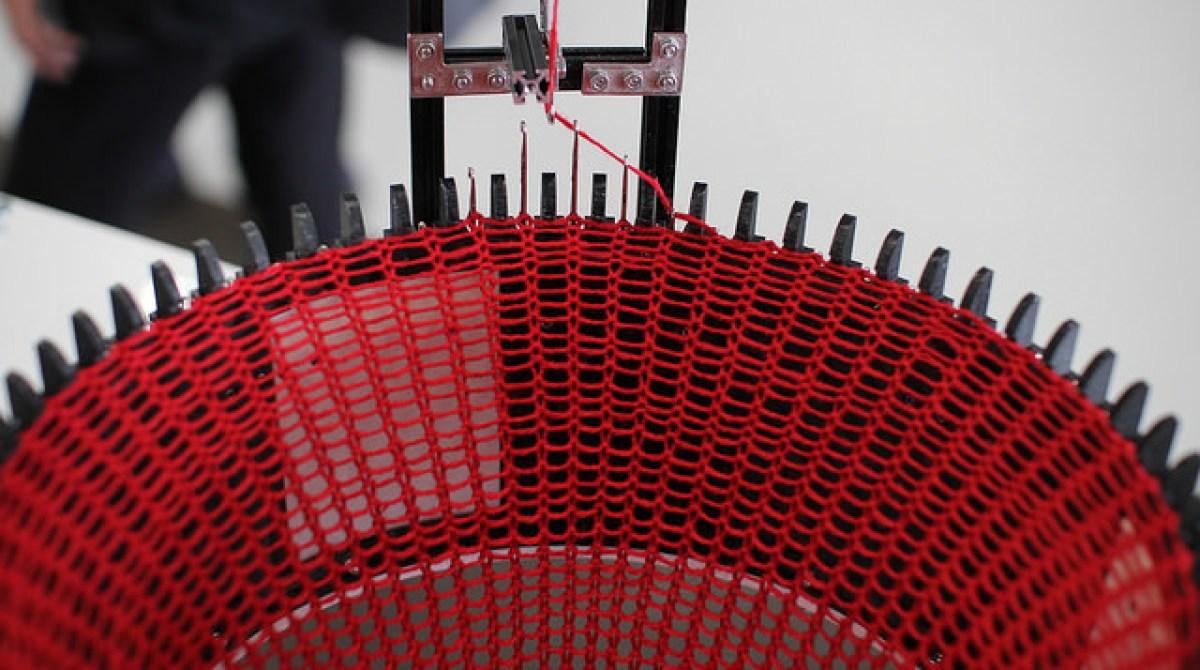 Circular Knitic: An Open Hardware Knitting Machine